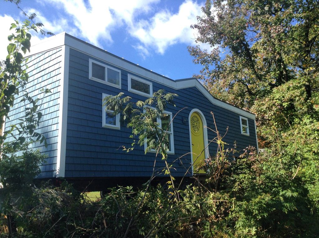 Desiderata tiny house cover photo